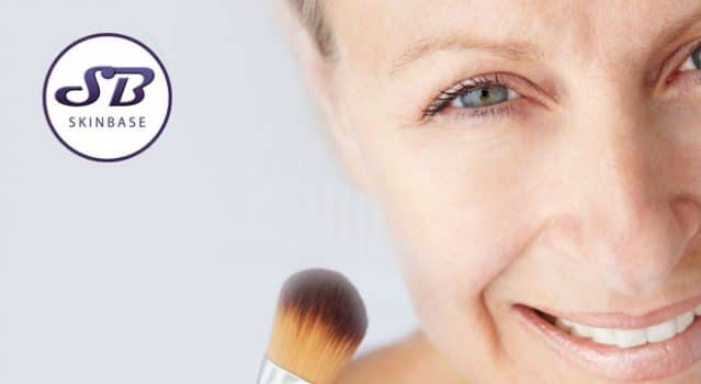 How to apply makeup when you have mature skin